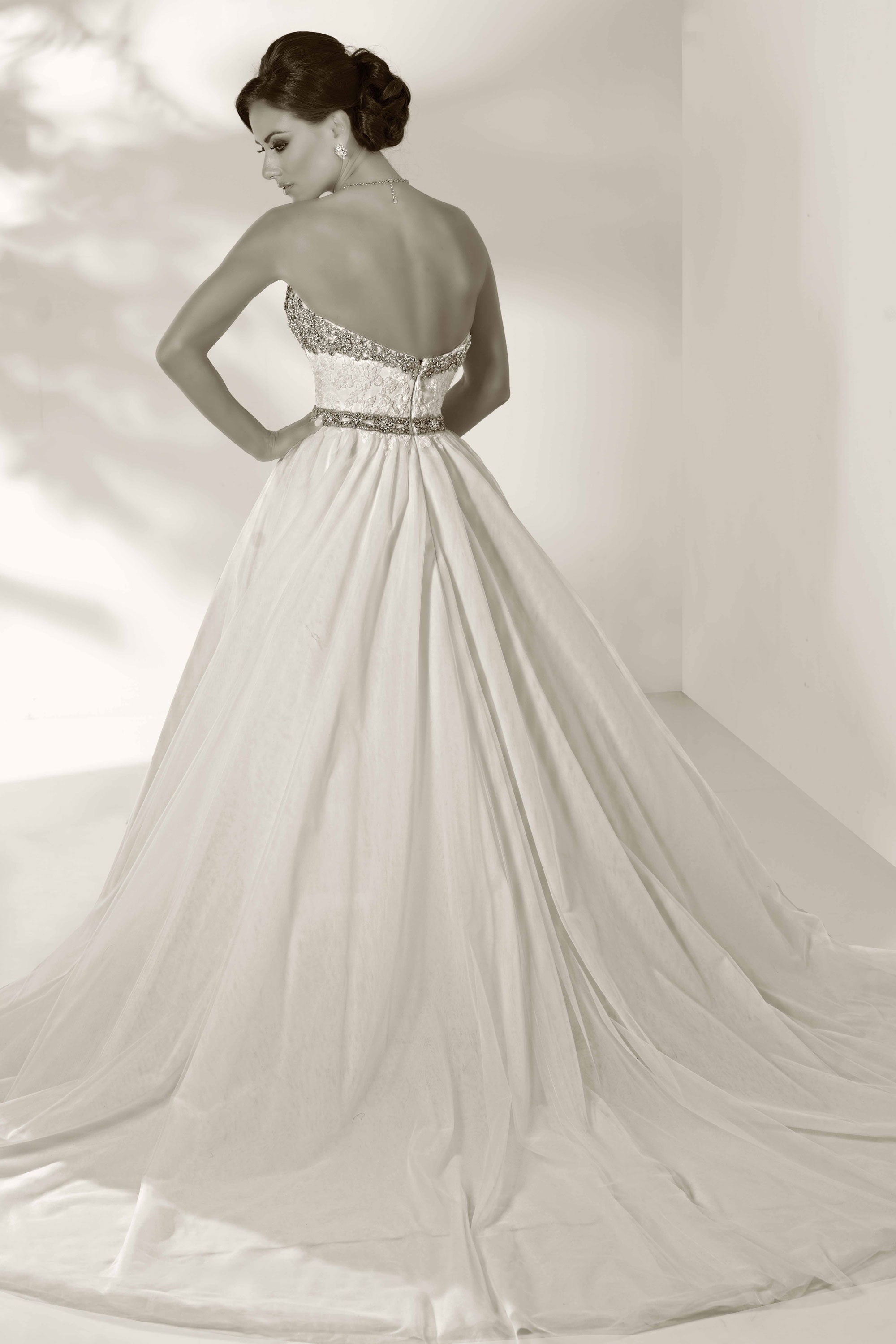 cristiano-lucci-wedding-dresses-2-01052014
