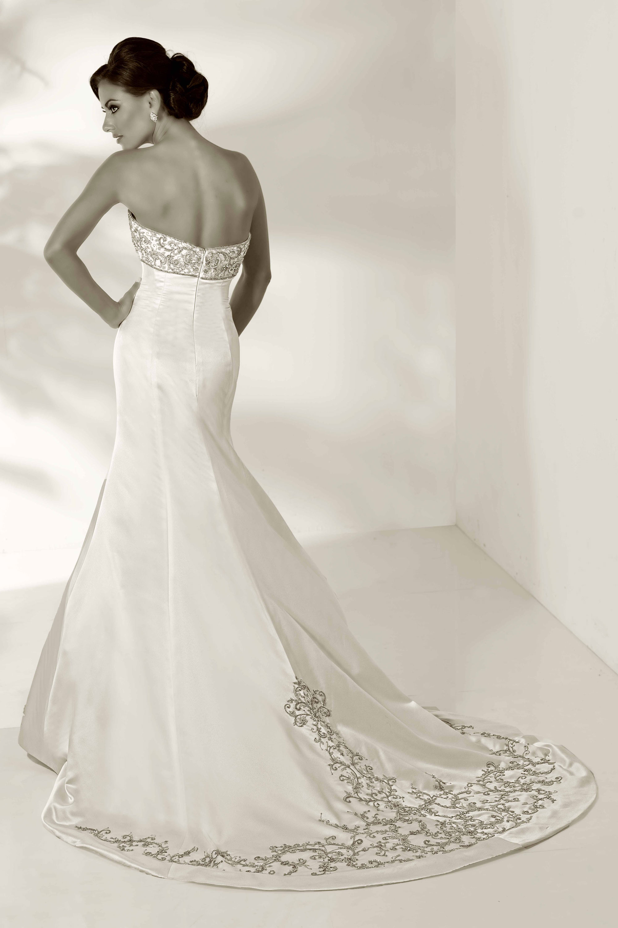 cristiano-lucci-wedding-dresses-9-01052014