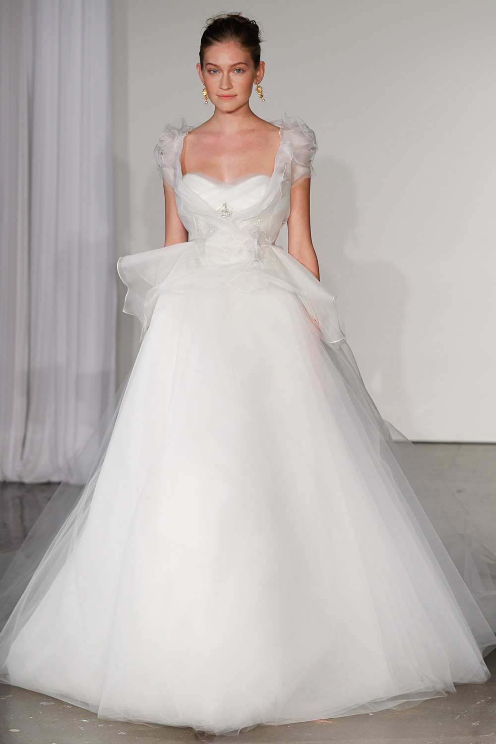 marchesa-wedding-dresses-15-02012014