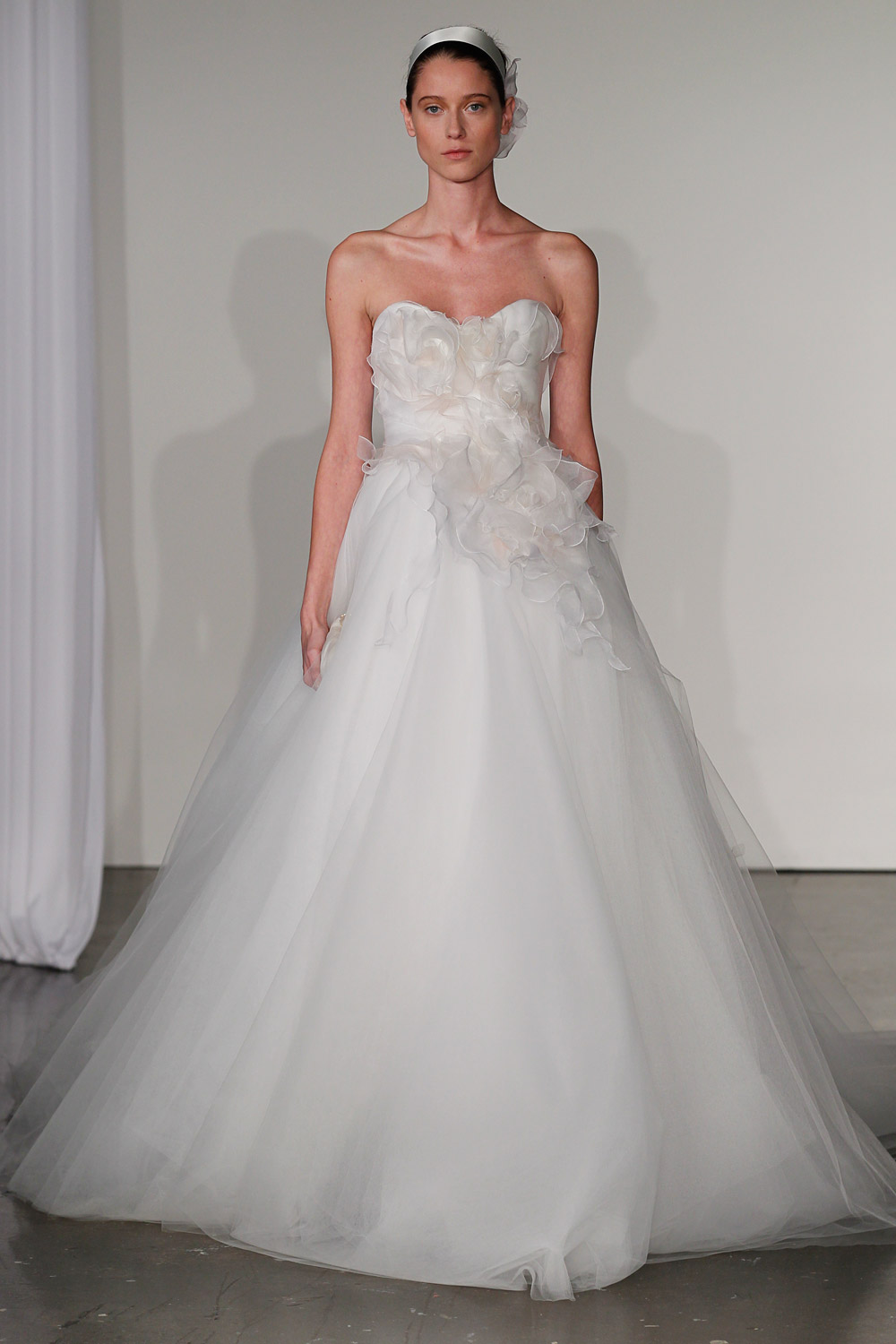 marchesa-wedding-dresses-17-02012014