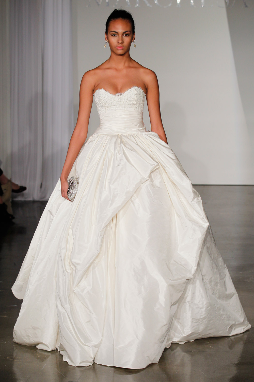 marchesa-wedding-dresses-2-02012014