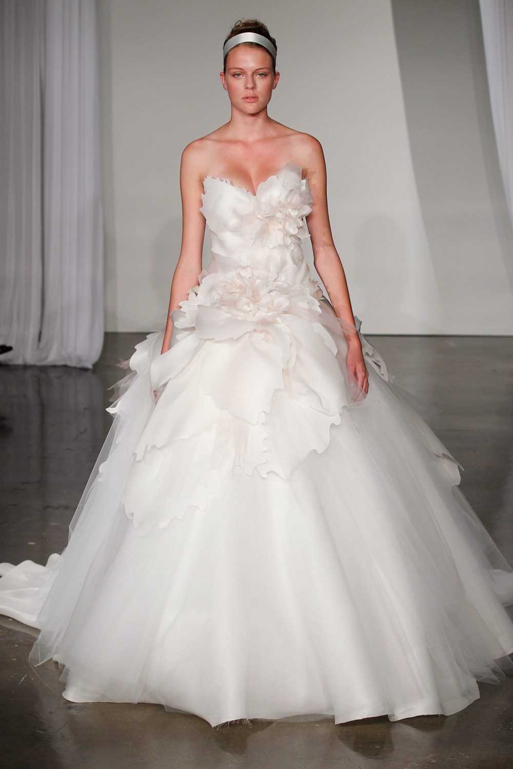 marchesa-wedding-dresses-7-02012014