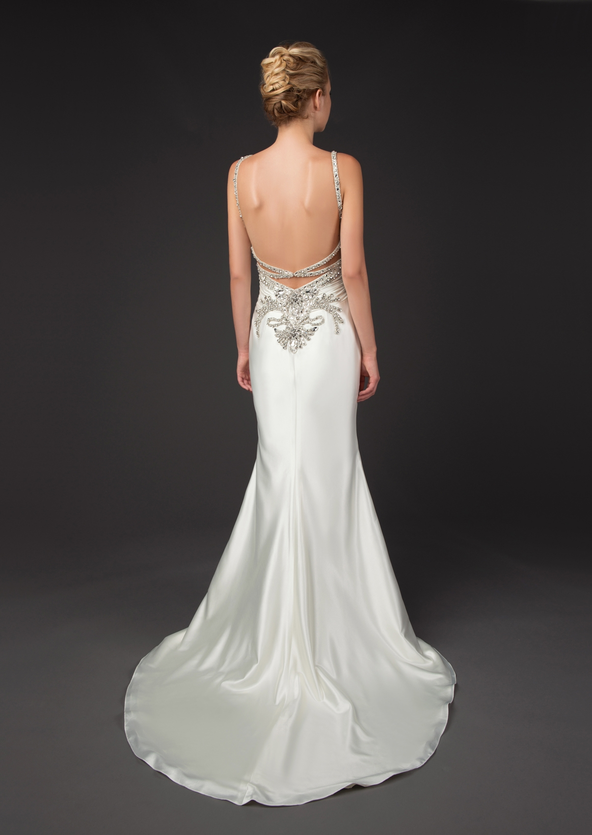 winnie-couture-wedding-dresses-fall-2014-diamond-label-collection-14-01202014