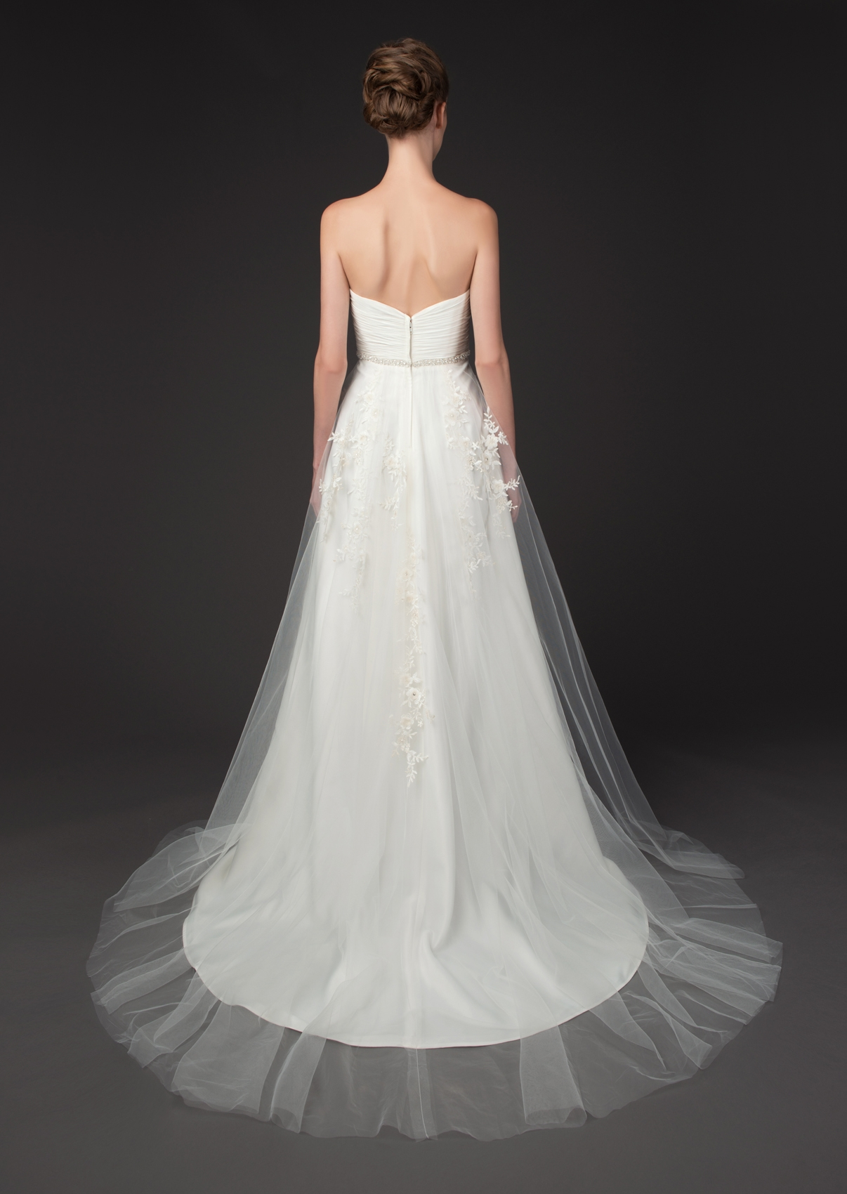 winnie-couture-wedding-dresses-fall-2014-diamond-label-collection-32-01202014