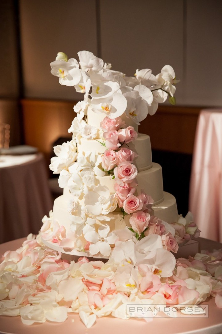 wedding-cakes-27-03142015nz