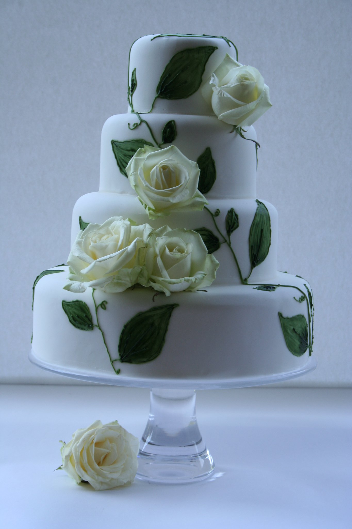 wedding-cakes-8-03132014ny