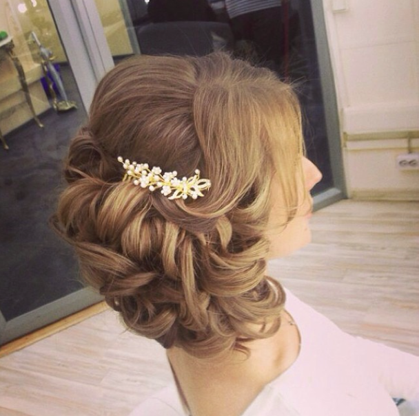 32 Overwhelming Bridesmaids Hairstyles