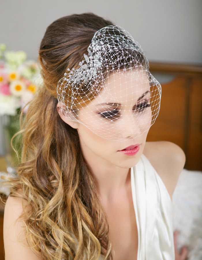 16 Stunning Wedding Hair Accessories For The Modern Bride