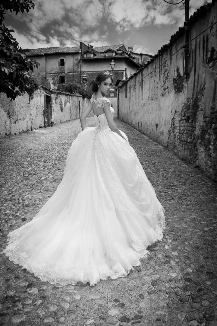alessandra-rinaudo-wedding-dresses-18-10012014nz