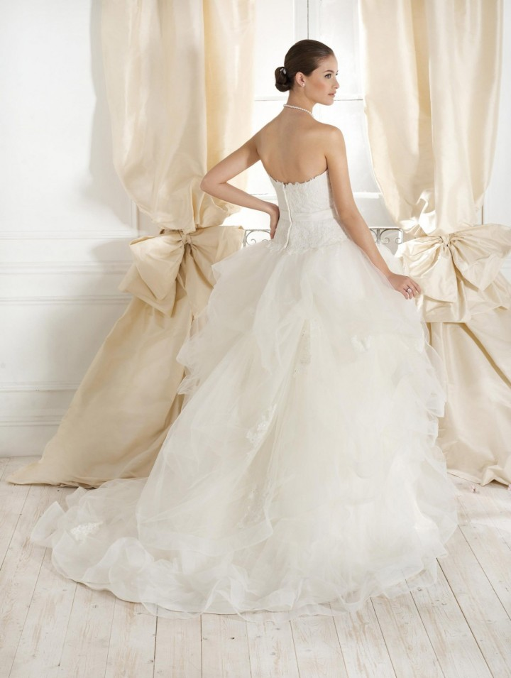 fara-sposa-wedding-dresses-7-10232014nz