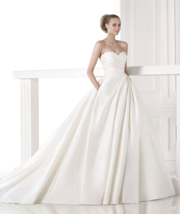 pronovias-wedding-dress-13-10222014nz