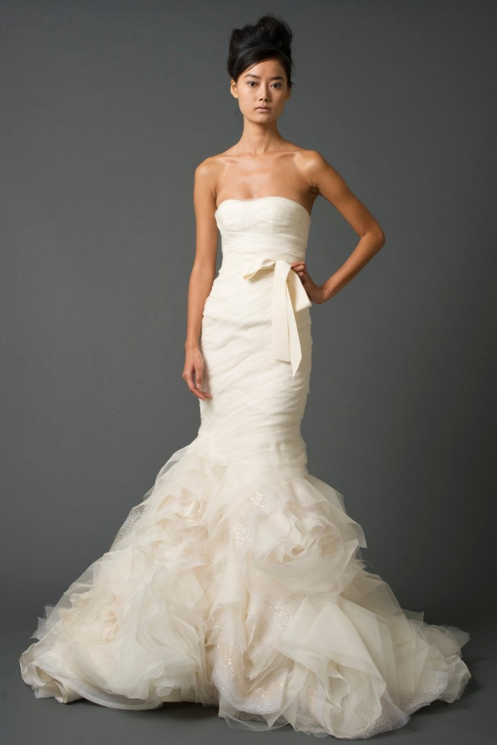 vera-wang-wedding-dress-24-10172014nz