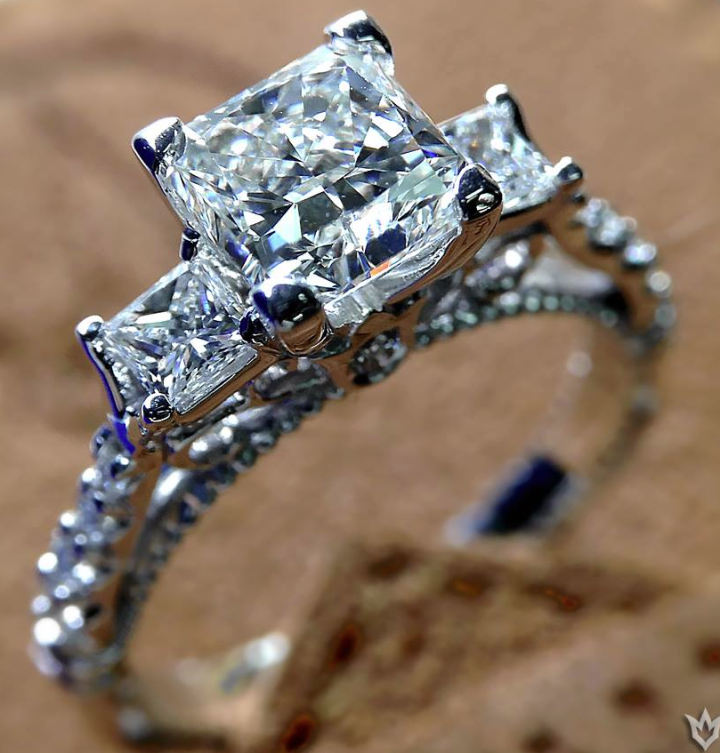engagement-ring-18-11102014nz