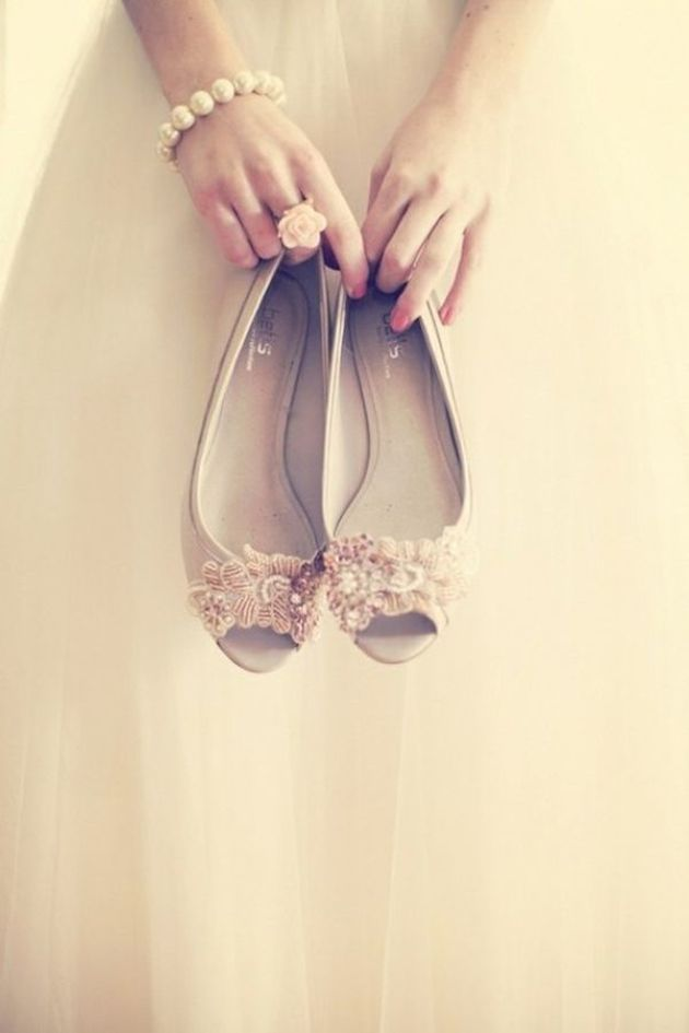 Cutest Flat Wedding Shoes for the Love of Comfort and Style - MODwedding ce1fd51c56de