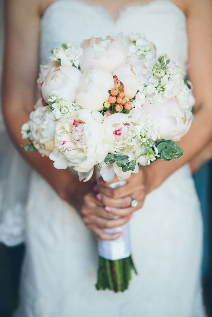 cynthia Chung photography - bouquet
