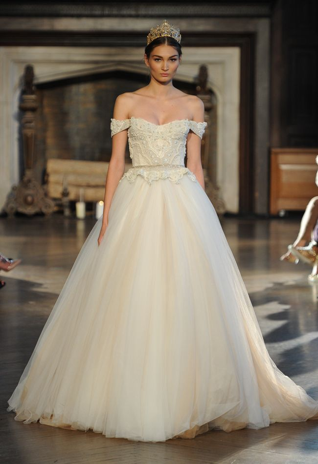 wedding-dresses-10-01272015-ky
