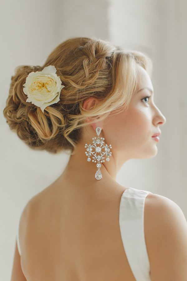 wedding-hairstyles-20-0422815mc