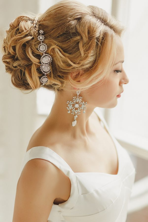 wedding-hairstyles-21-0422815mc