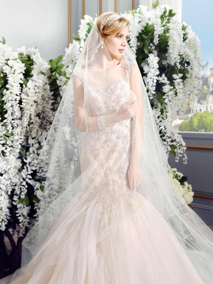 val-stefani-wedding-dresses-1-05272015nz