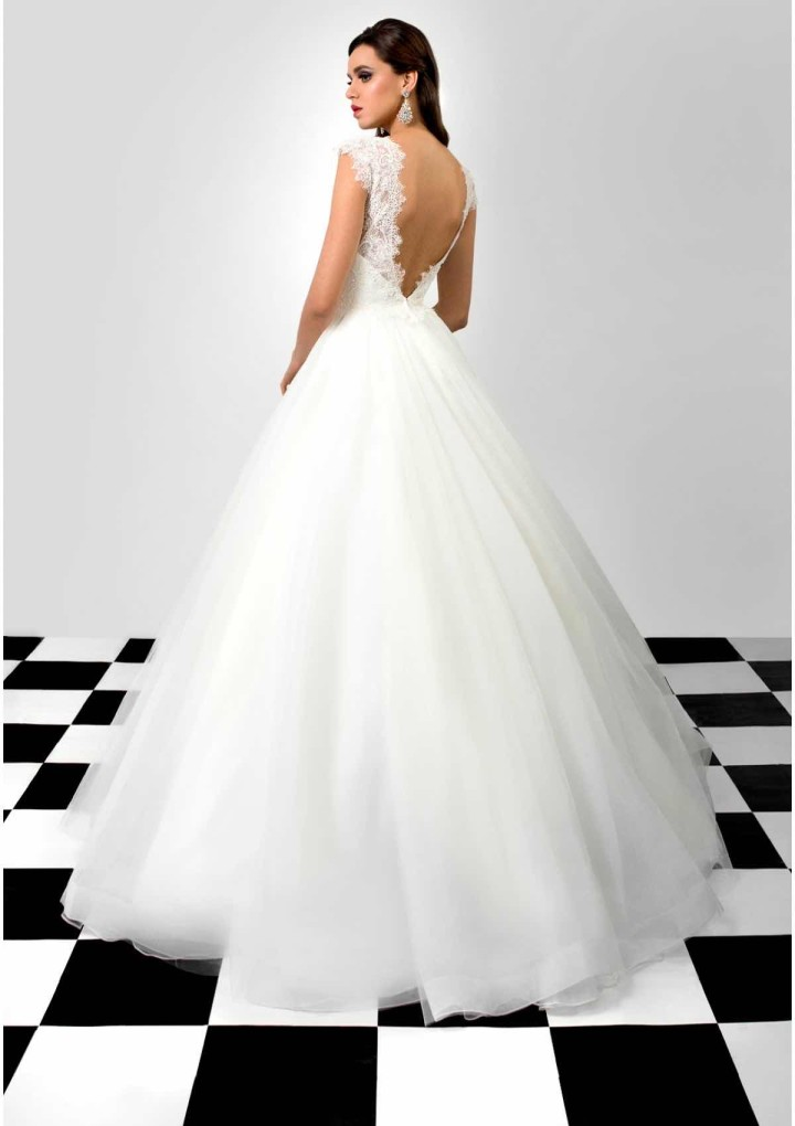 bien-savvy-wedding-dress-18-06212015nz
