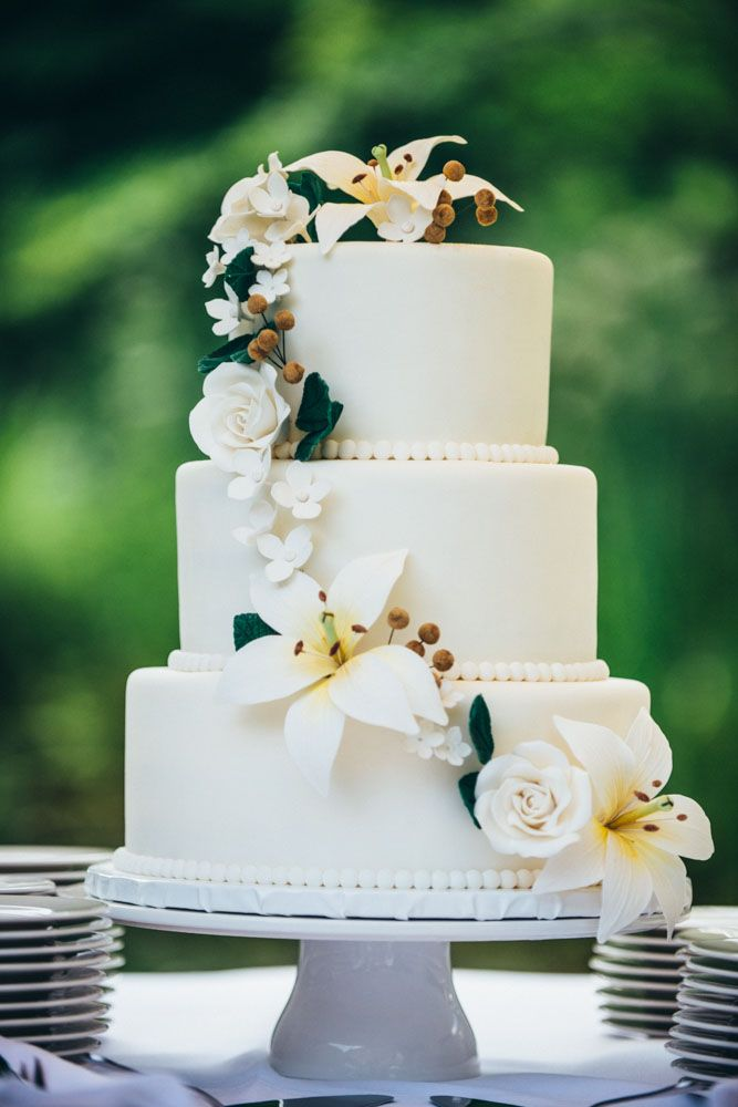 Beautiful Wedding Cakes With Delicate Details Modwedding