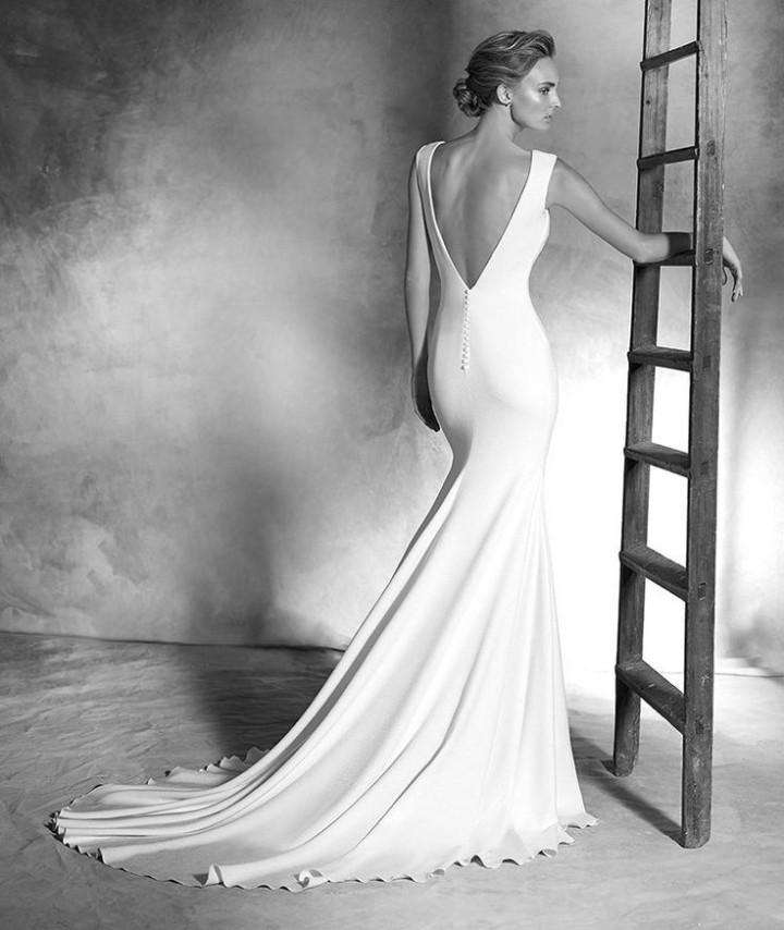 atelier-pronovias-wedding-dress-2016-11-07102015ch