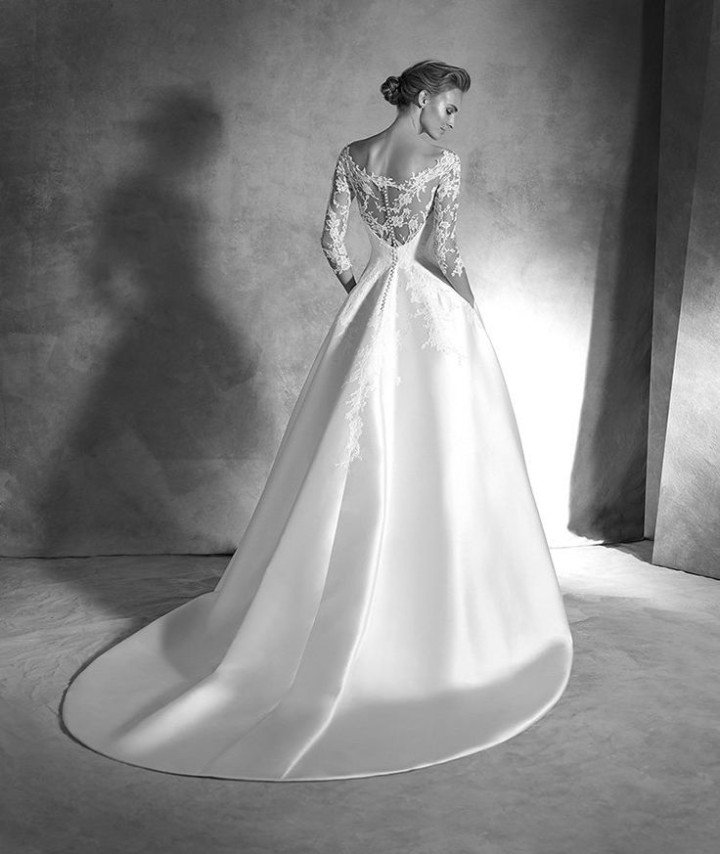 atelier-pronovias-wedding-dress-2016-4-07102015ch