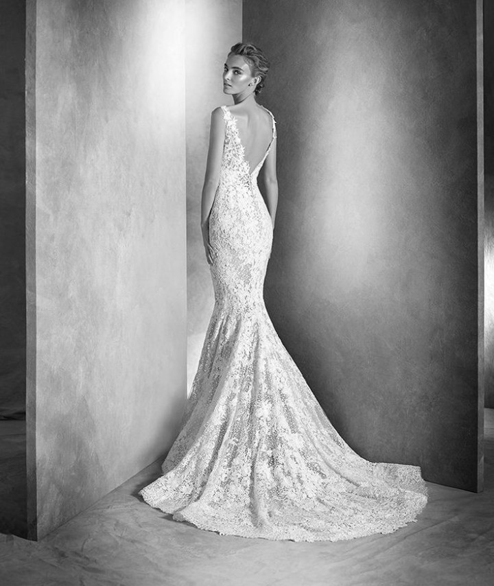 atelier-pronovias-wedding-dress-2016-9-07102015ch
