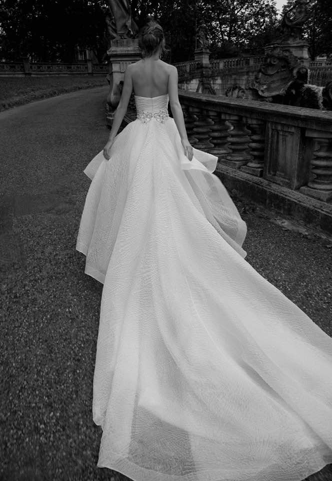alessandra-rinaudo-wedding-dress-2016-15-10082015nz