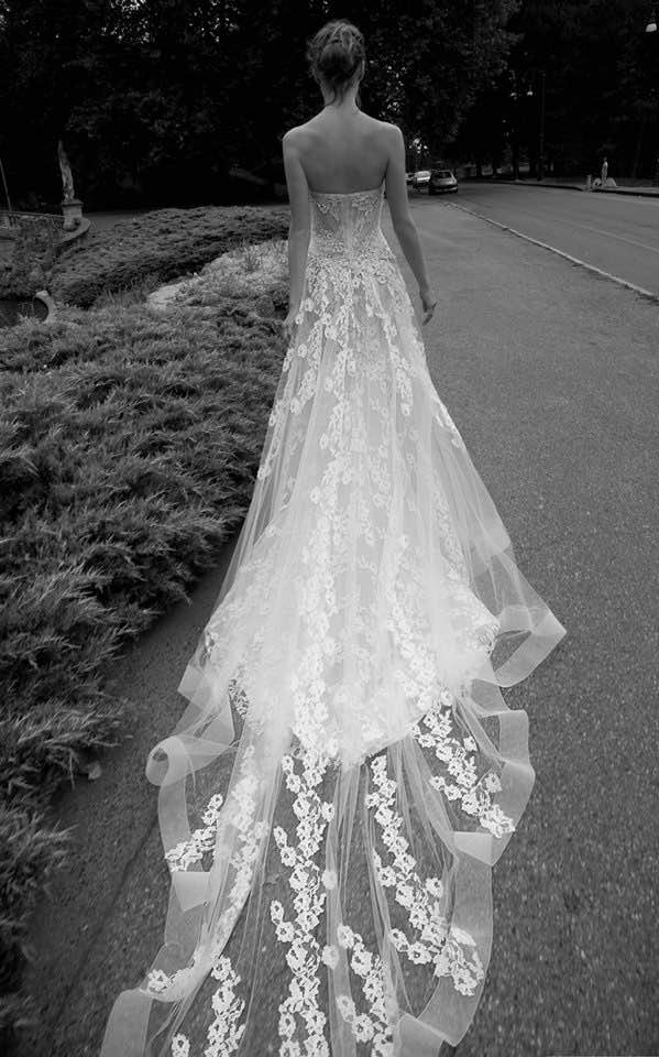 alessandra-rinaudo-wedding-dress-2016-17-10082015nz