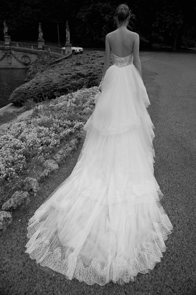 alessandra-rinaudo-wedding-dress-2016-8-10082015nz