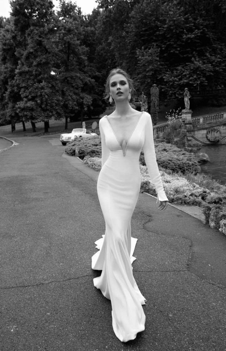 alessandra-rinaudo-wedding-dress-2016-9-10082015nz