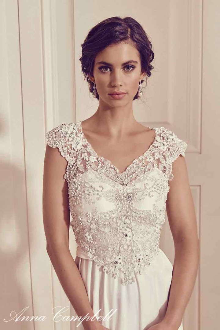 anna-campbell-wedding-dress-11-10222015nz