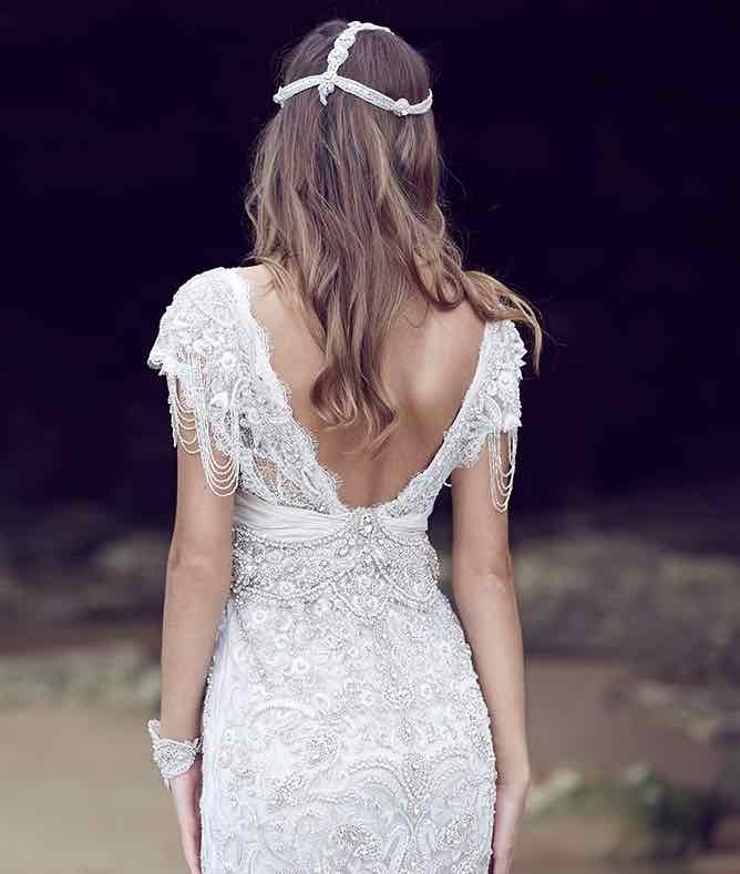 anna-campbell-wedding-dress-19-10222015nz