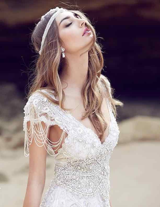 anna-campbell-wedding-dress-21-10222015nz