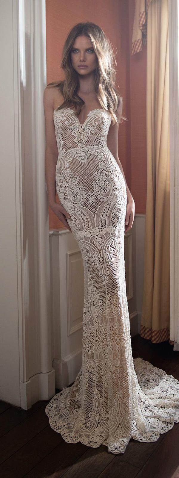 lace-wedding-dress-12-082615ch
