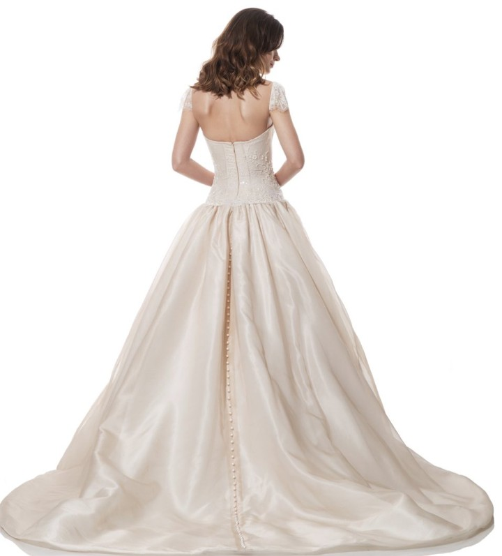 olia-zavozina-wedding-dress-12-10272015nz