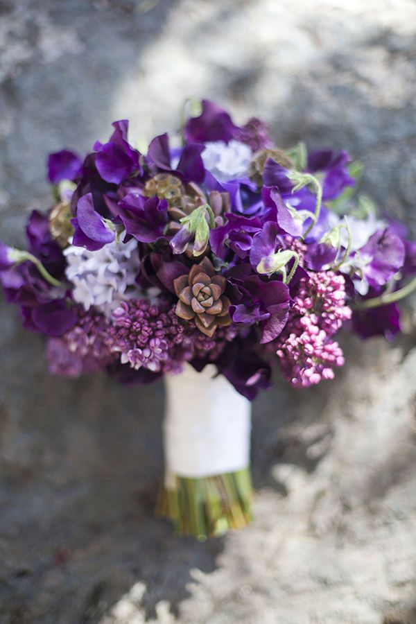 purple-wedding-bouquets-13-10122015-km