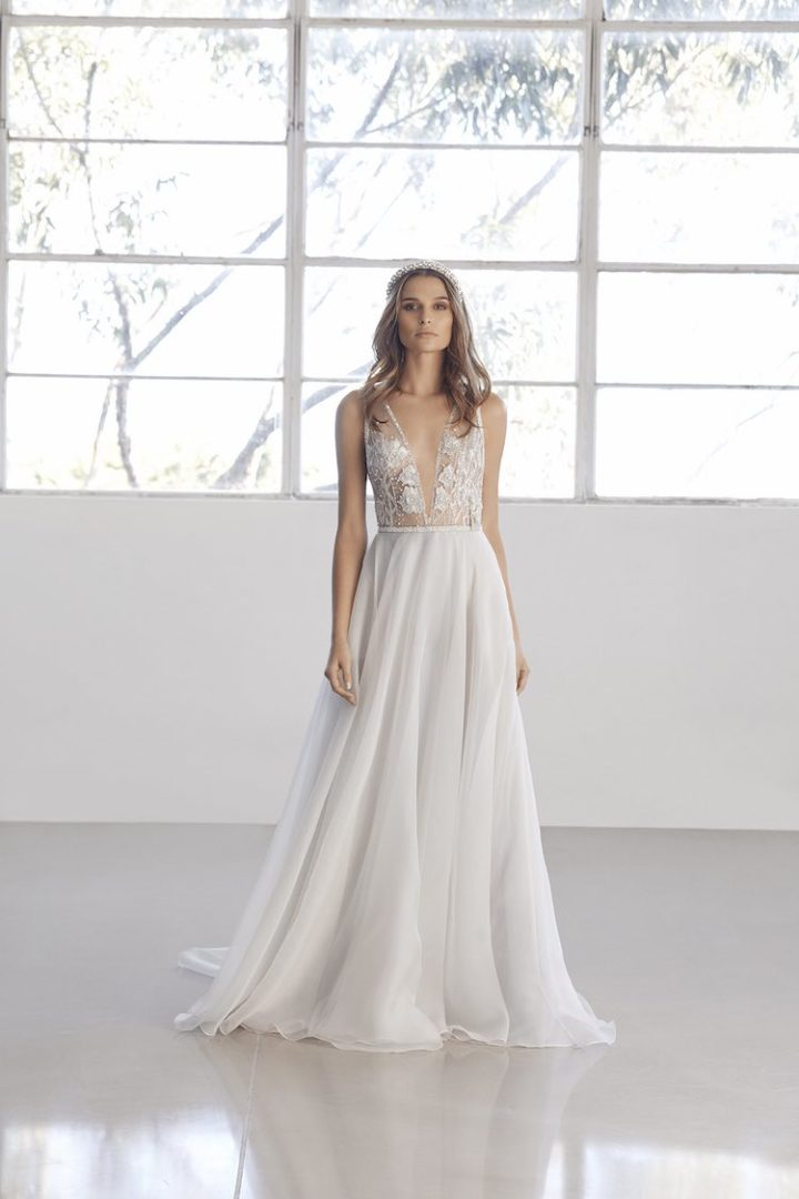 560b48ddb3 Stunning Suzanne Harward Wedding Dresses Utopia Collection - MODwedding
