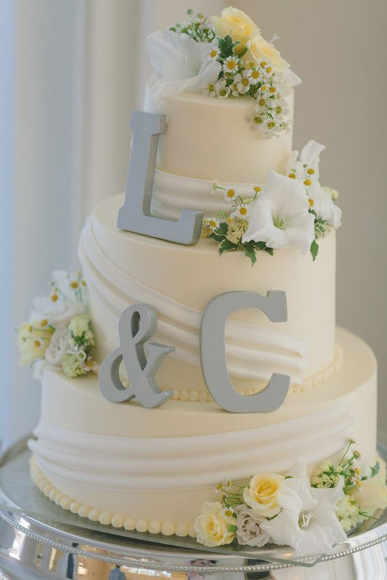 wedding-cakes-12-02152016-km