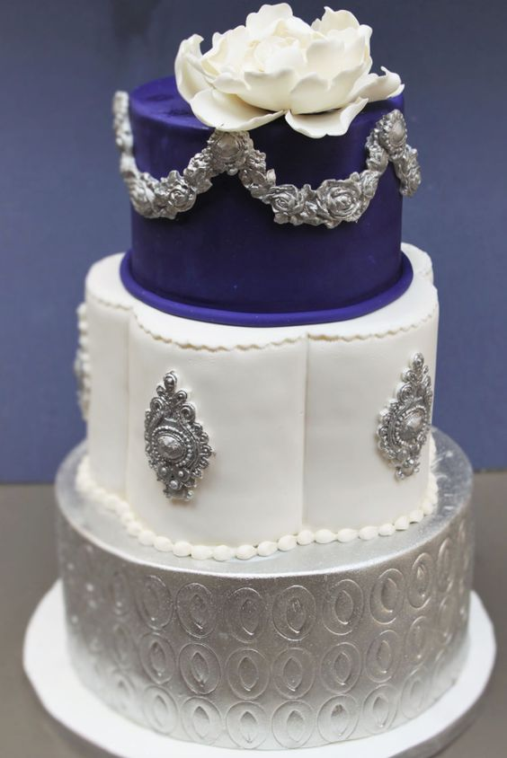Royal Blue White And Silver Wedding Cake Modwedding