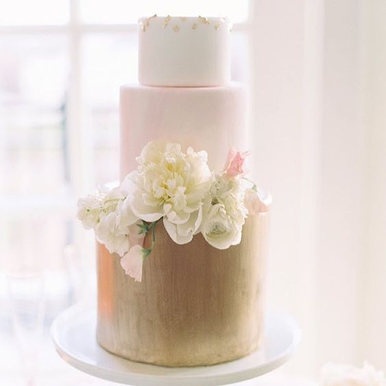 wedding-cakes-16-01312016-km