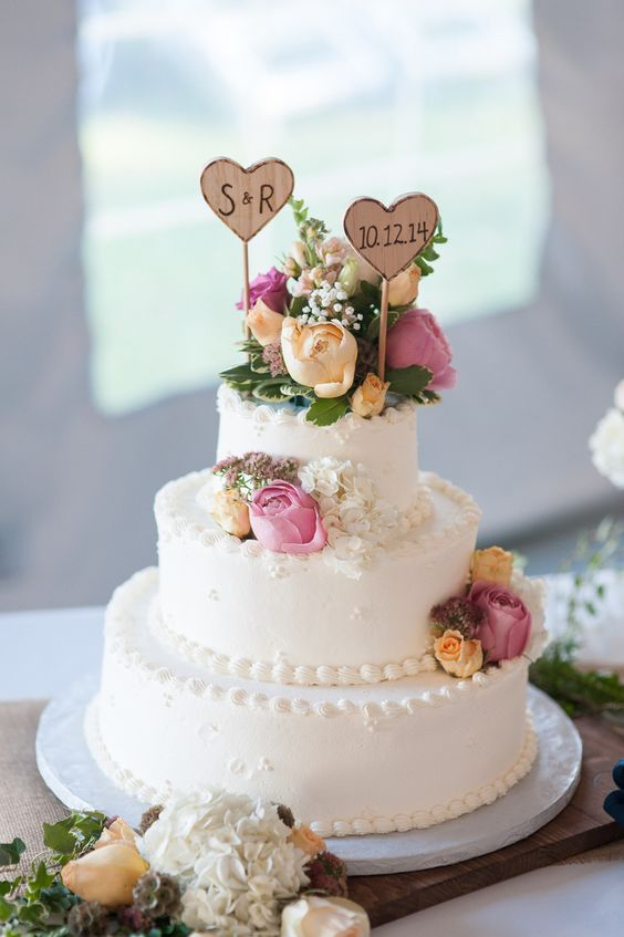 wedding-cakes-17-02152016-km