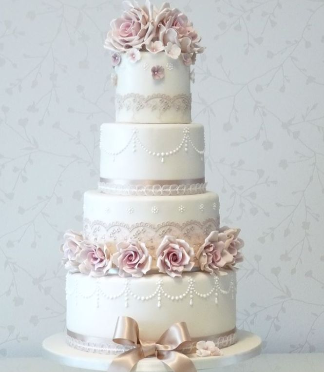 wedding-cakes-20-10282015-km