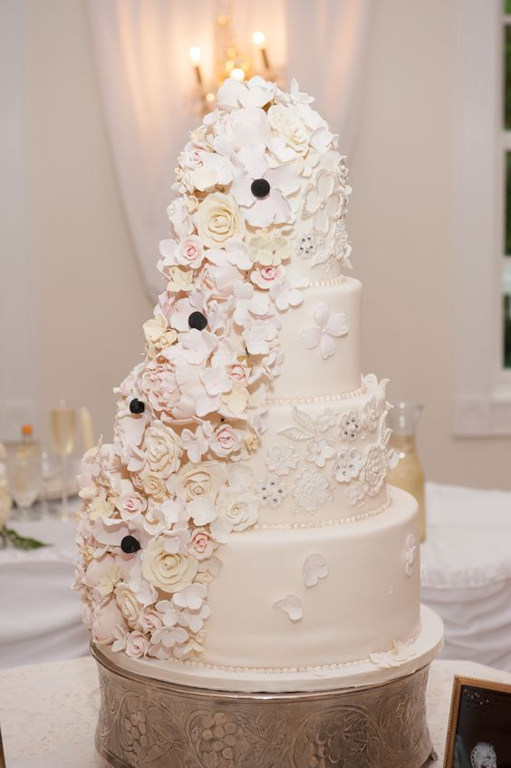 wedding-cakes-23-01312016-km