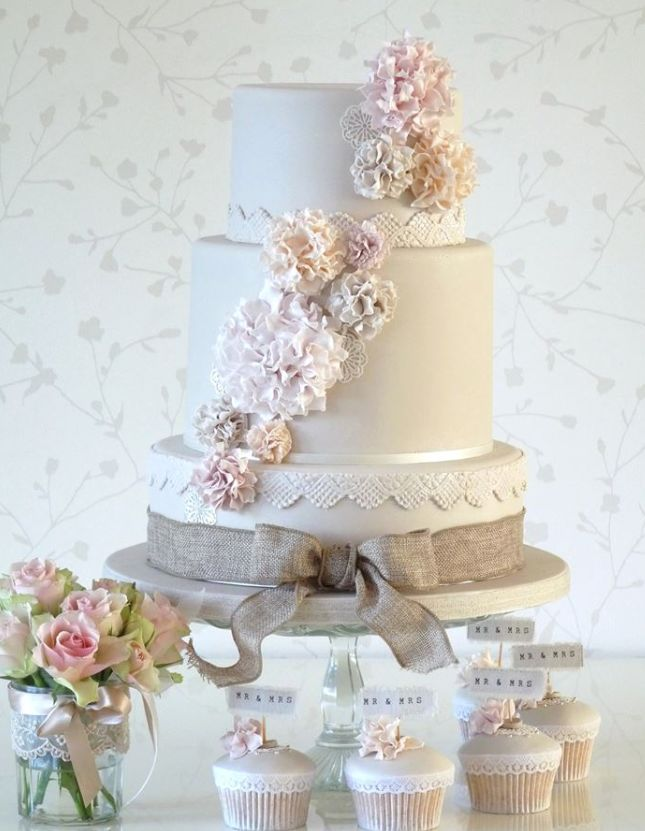 wedding-cakes-23-10282015-km