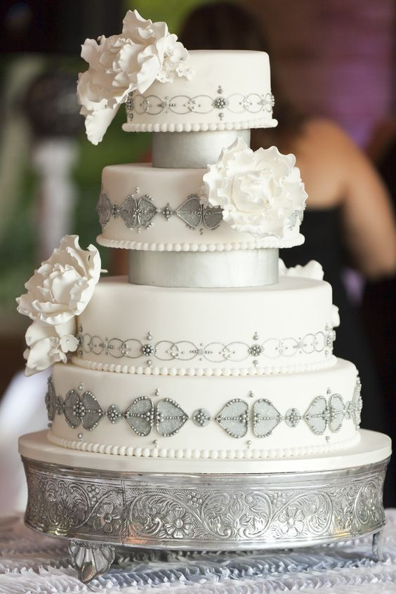 wedding-cakes-25-01312016-km
