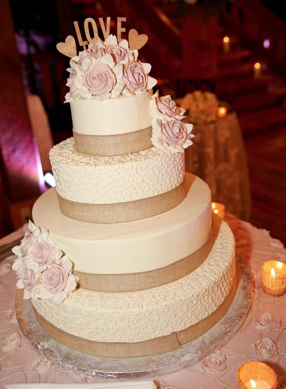 wedding-cakes-25-02152016-km