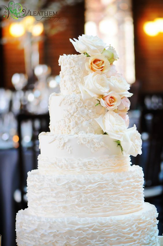 wedding-cakes-27-01312016-km