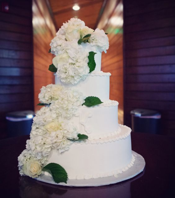 wedding-cakes-27-02152016-km